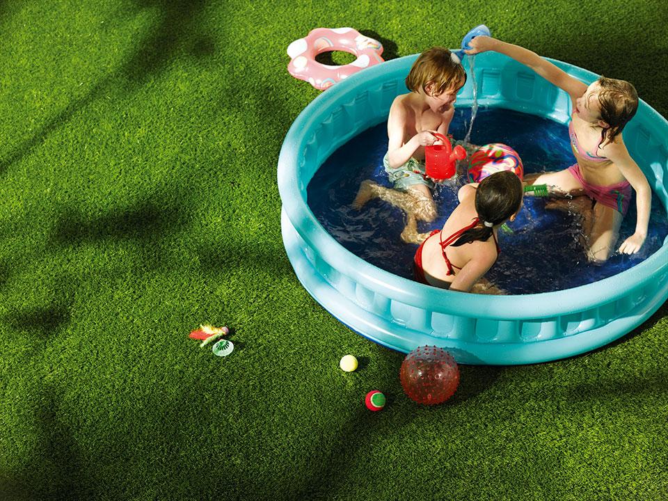 Grastapijt-met-zwembad